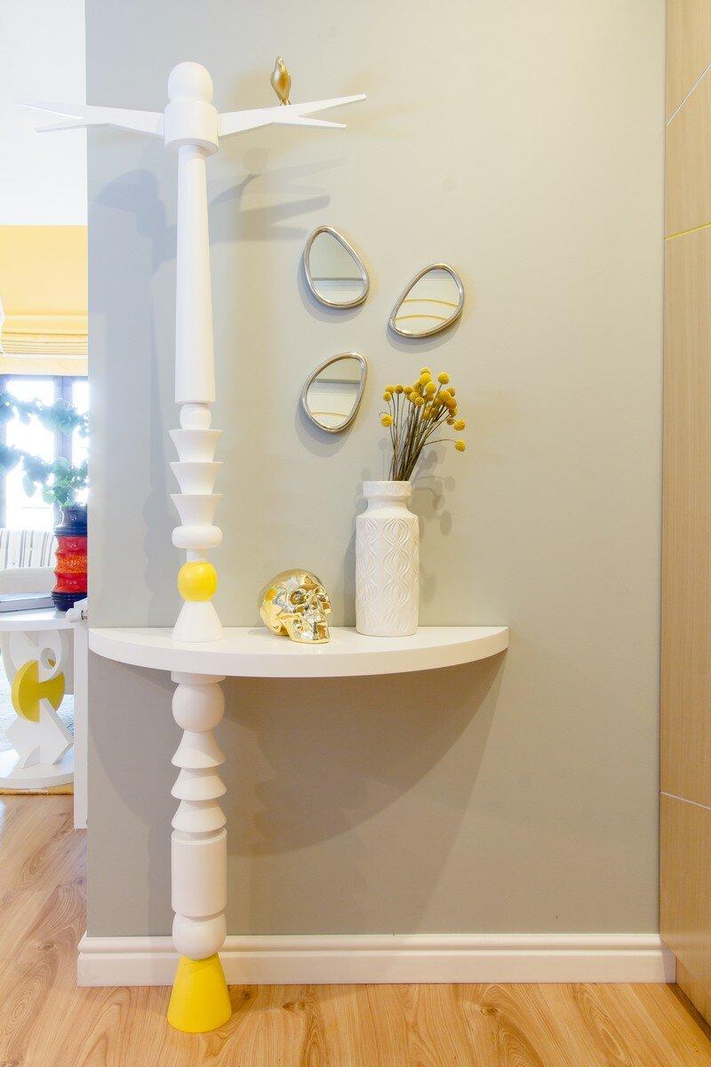 Yellow Apartment - A Bath of Splashy Lights by Hamid Nicola Katrib 9