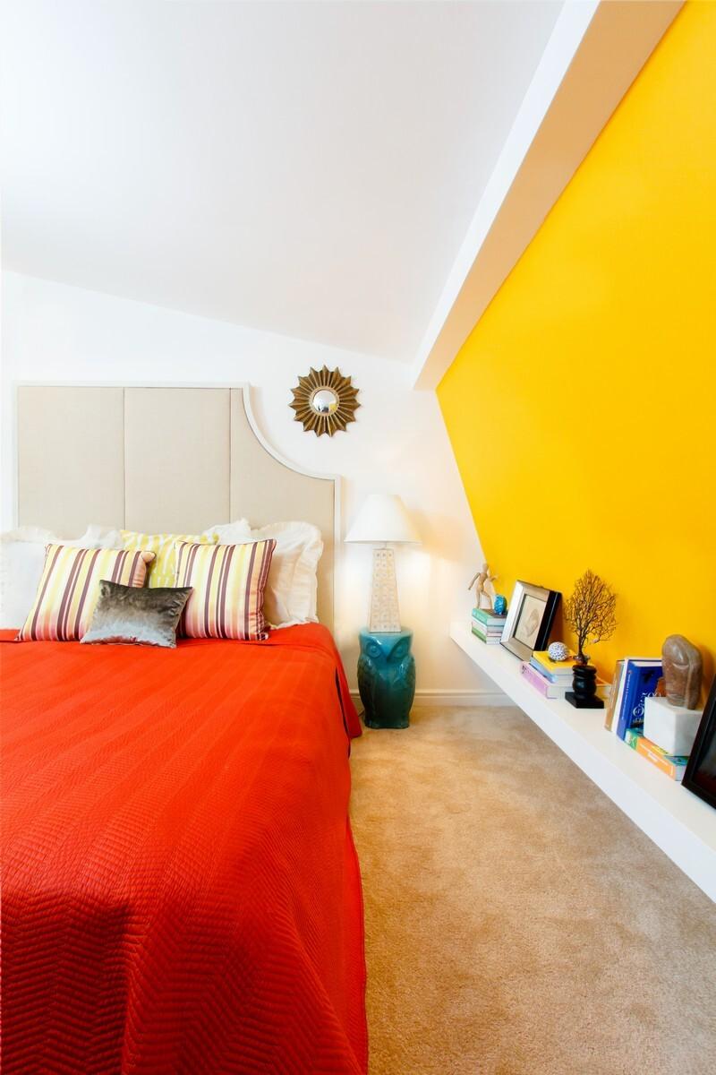Yellow Apartment - A Bath of Splashy Lights by Hamid Nicola Katrib 15