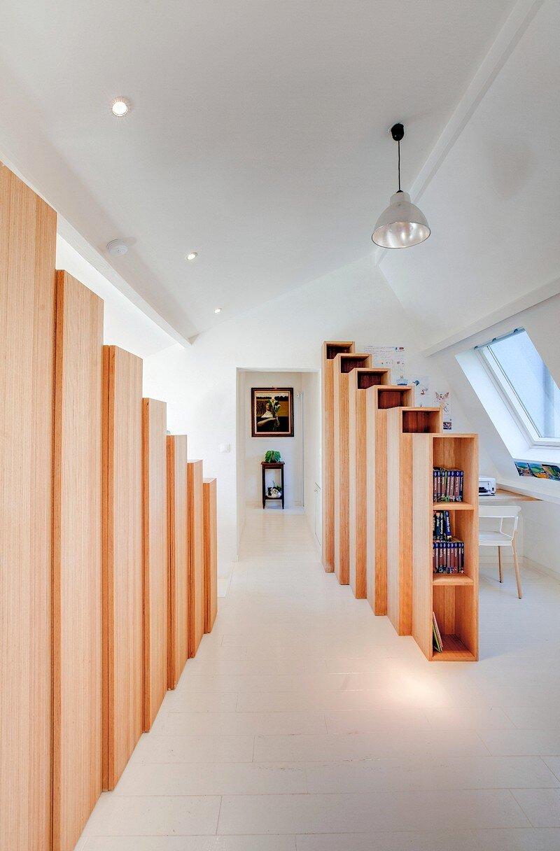 Bookshelf House 9