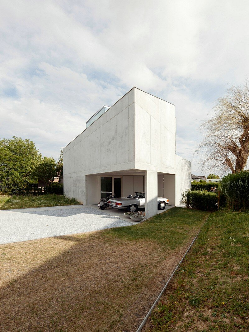 Freestanding Concrete House 14