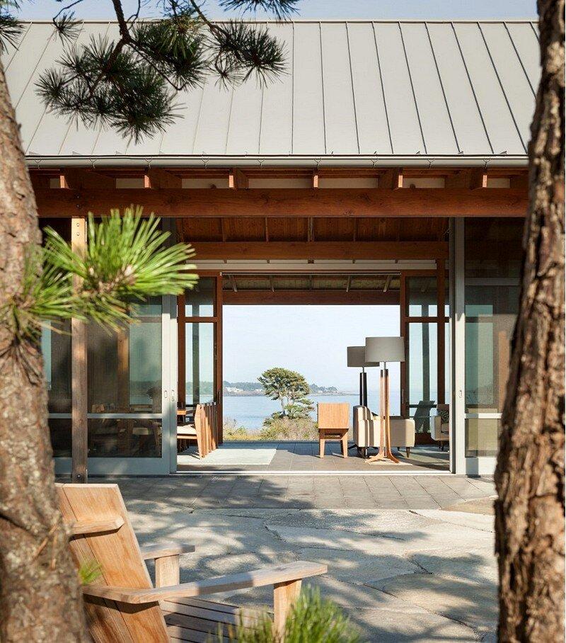 Oceanfront Retreat 4