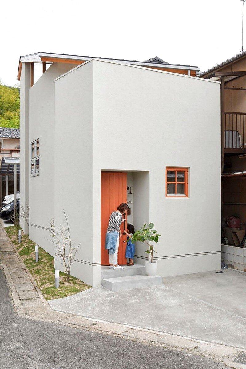 Yamashina house by alts design office for Minimalist tiny house
