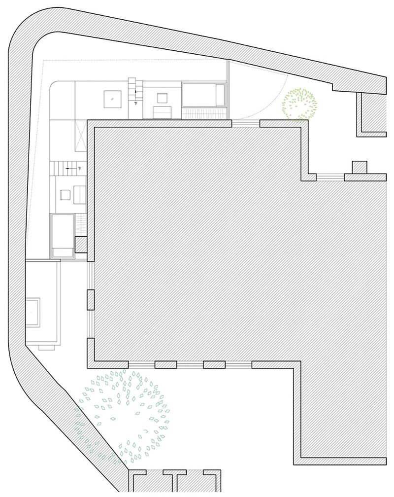 L-shaped House 25