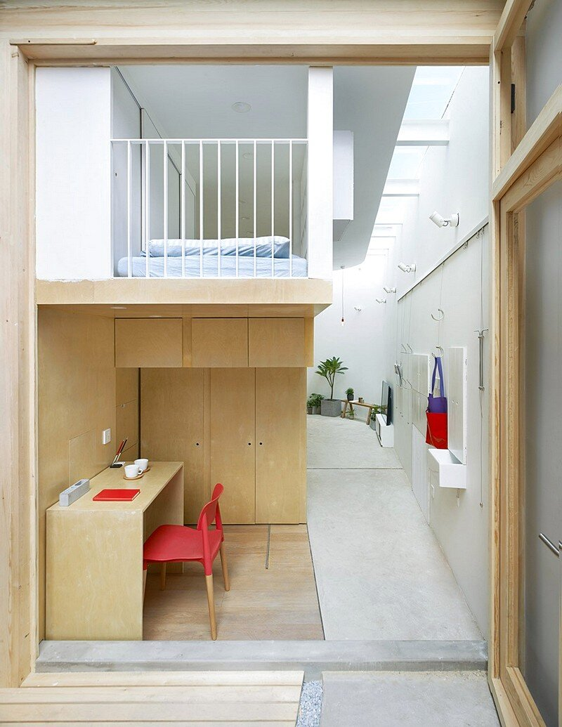 L shaped house composed of wooden boxes b l u e for L shaped houses