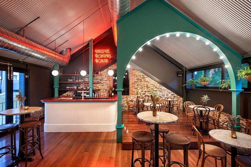 Nola Bar 8