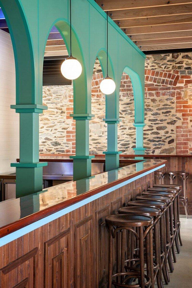 Nola Bar 6