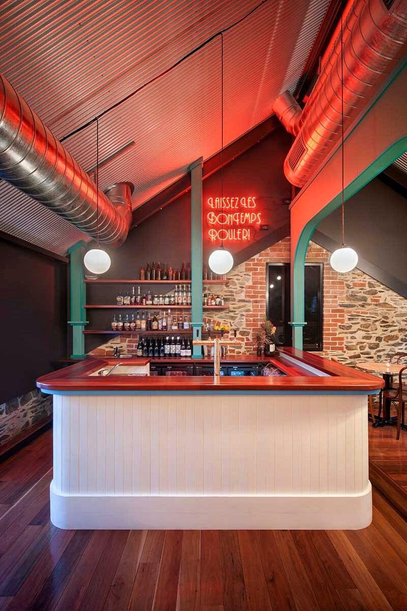 Nola Bar 10