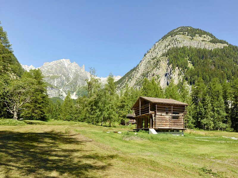 Old Barn Conversion Praz-de-fort 1