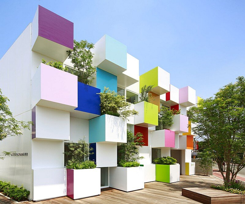 Sugamo Shinkin Bank, Nakaaoki Branch – Rainbow Melody by Emmanuelle Moureaux