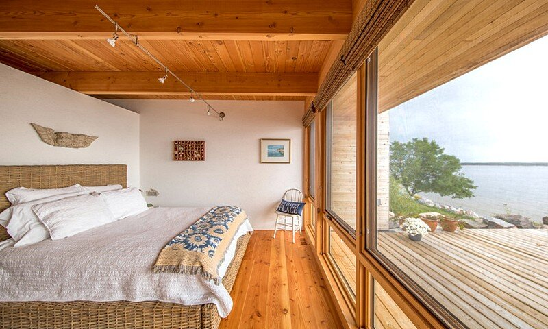 Wooden Beach Cottage 9