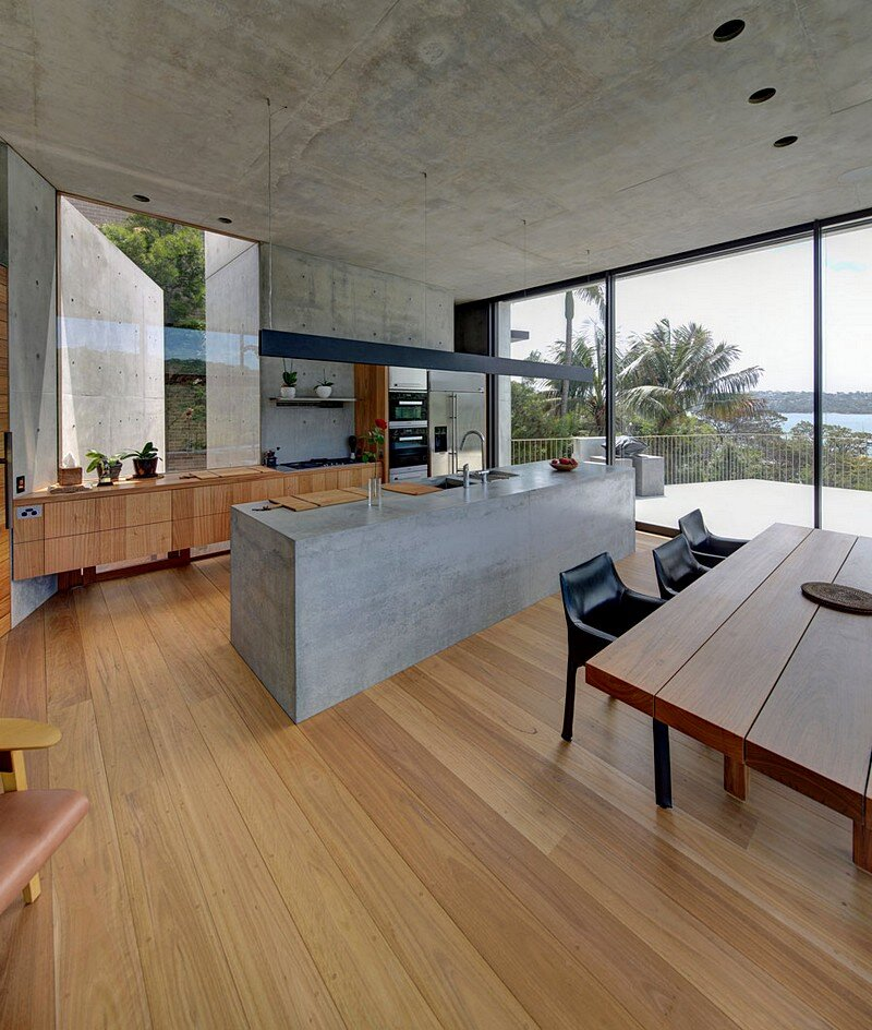 Balmoral Beach House: Concrete Sculptural Form Inspired By