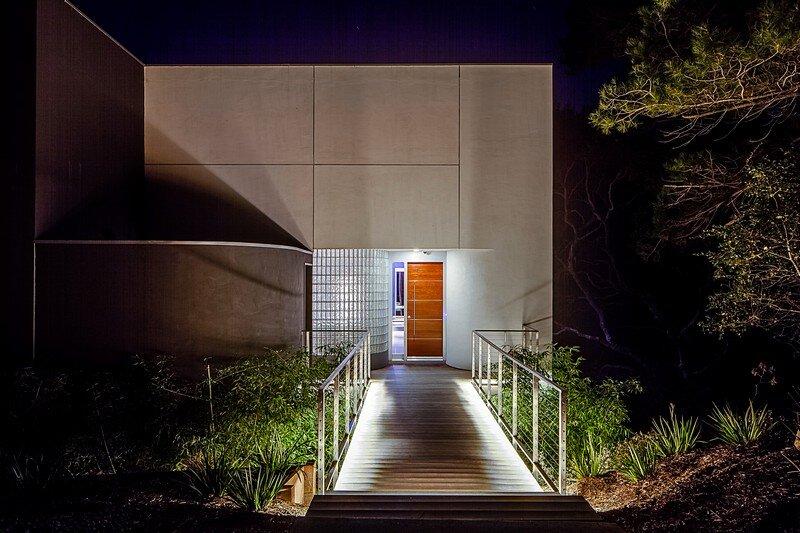 Modernist House 21