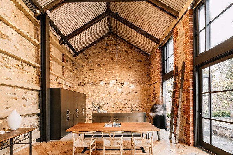 North Adelaide Barn / Williams Burton Leopardi