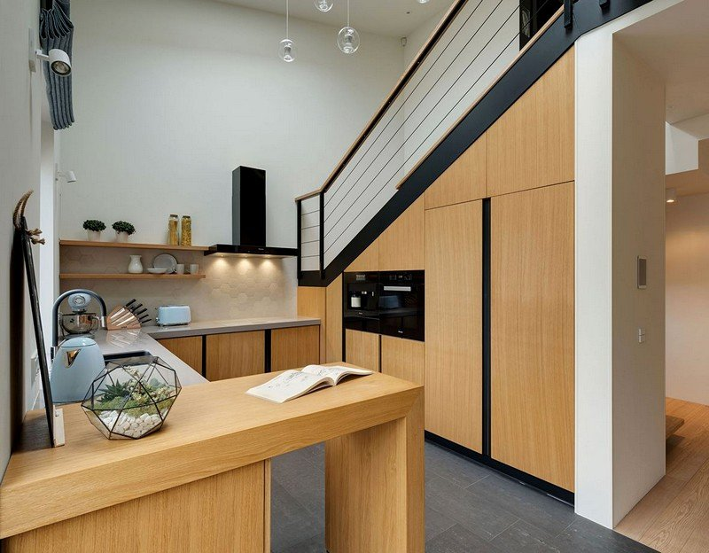 Two-Level Apartment 13