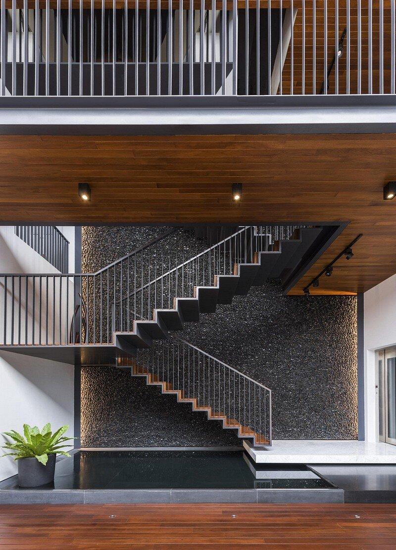 Courtyard Residence 5