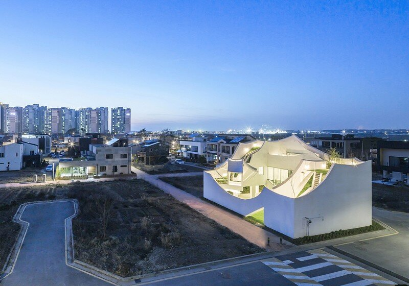 Flying House / IROJE KHM Architects