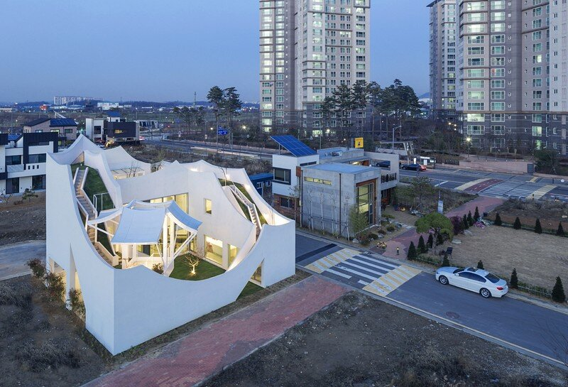Flying House IROJE KHM Architects 3