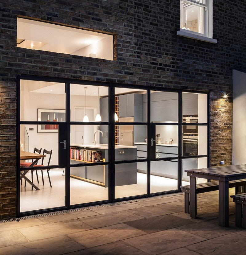 Slot House in London 13