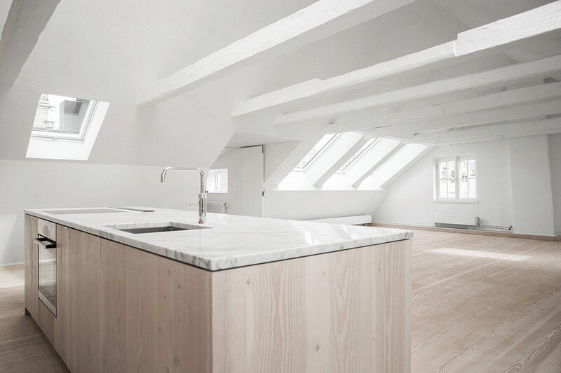 Studiomama Completes Renovation of Apartments in 1720s House 4