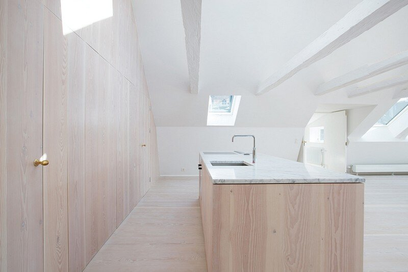 Studiomama Completes Renovation of Apartments in 1720s House 5