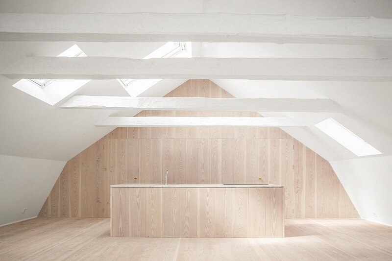 Studiomama Completes Renovation of Apartments in 1720s House 2