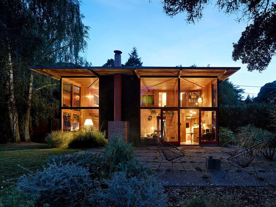 A Mill Valley House Made Of Red Cedar And Glass
