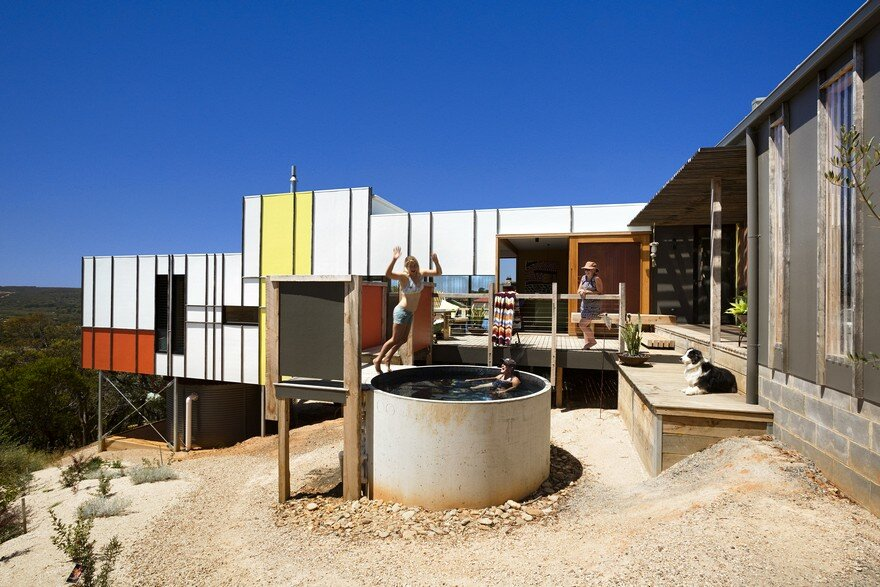 A Postcard Home / Emma Mitchell Architects