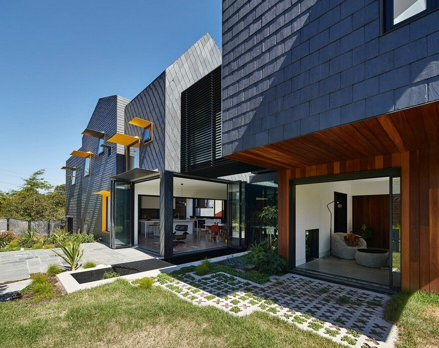 Charles House – An Adaptable, Multi-Generational Home / Austin Maynard Architects