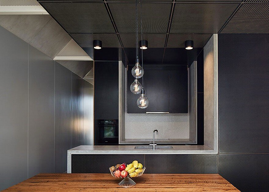 Dark Horse House / Architecture Architecture