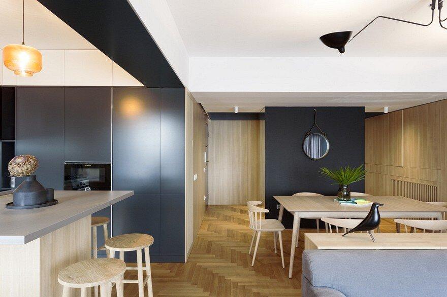 Inviting Apartment With A Stylish and Warm Interior Design / Rosu & Ciocodeica