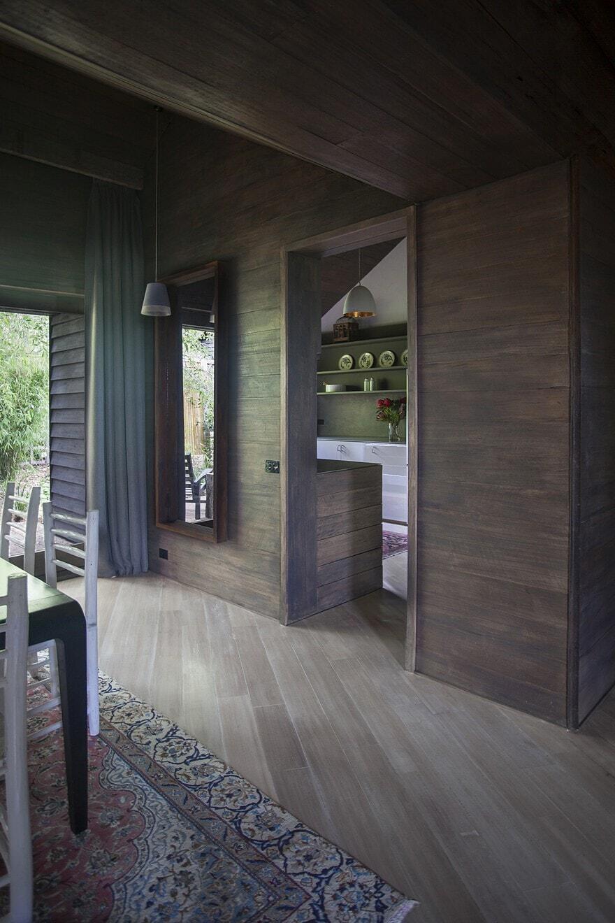 Hardwood House / Adam Kane Architects