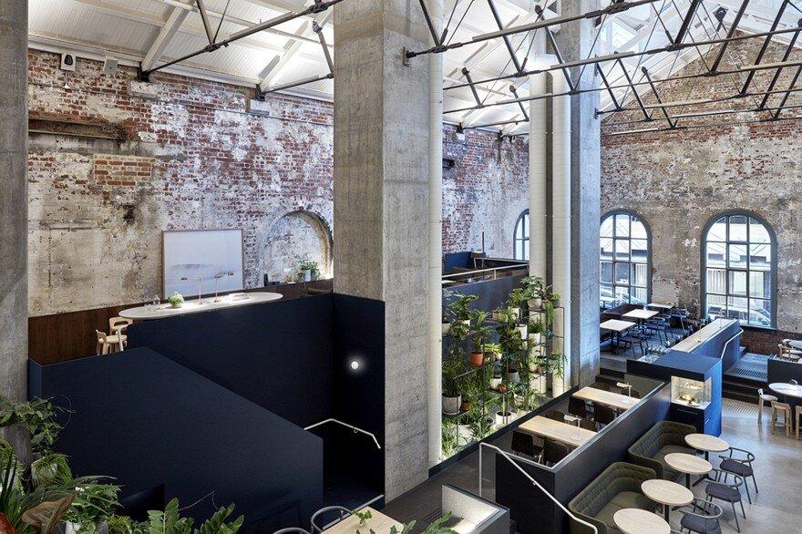 Higher Ground Restaurant / DesignOffice