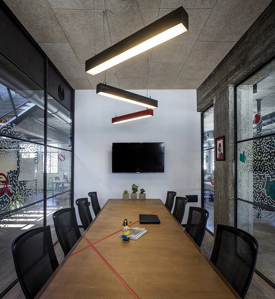 Unconventional Office Space In The Heart Of Tel Aviv Roy