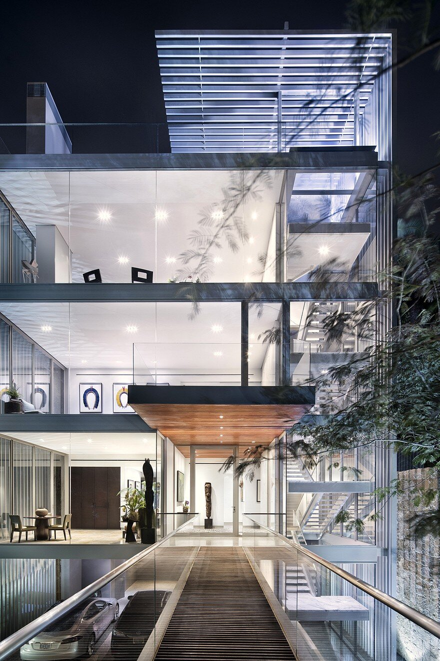 Vertical House In Dallas    Miro Rivera Architects