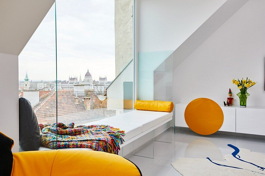 Colorful Apartment in the Heart of Budapest by Margeza ...