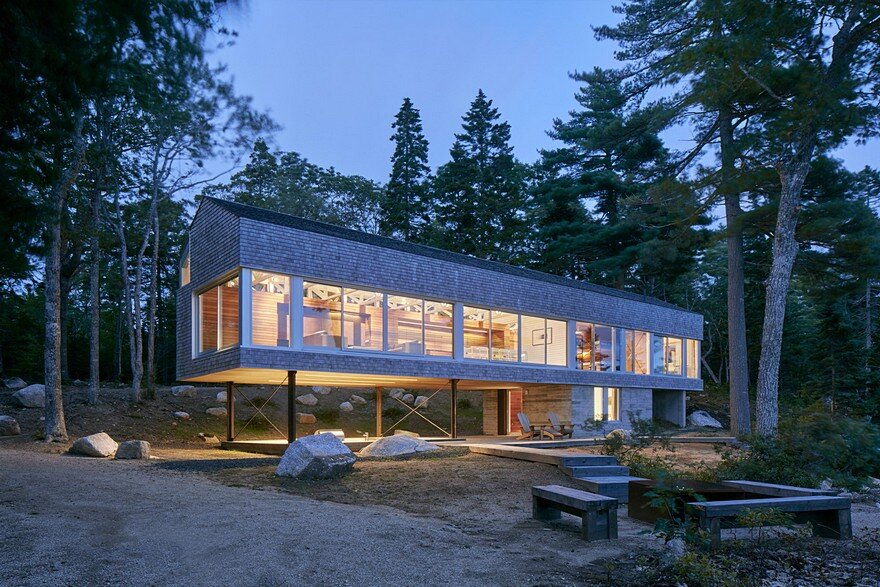 Mirror Point Cottage / MacKay-Lyons Sweetapple Architects