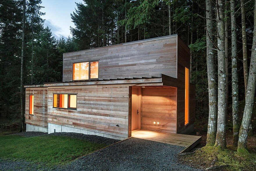 Rainforest Retreat on the Coast of Vancouver Island / AGATHOM Co.