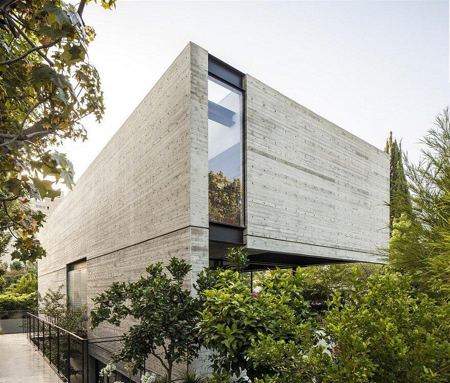 SB House by Pitsou Kedem Architects SB