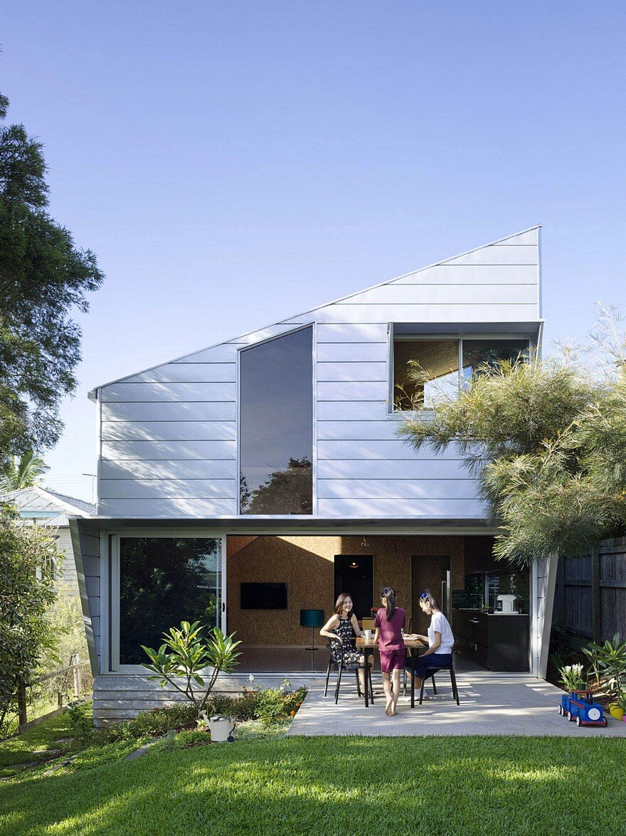 Sips House A Simple And Restrained Design Offering