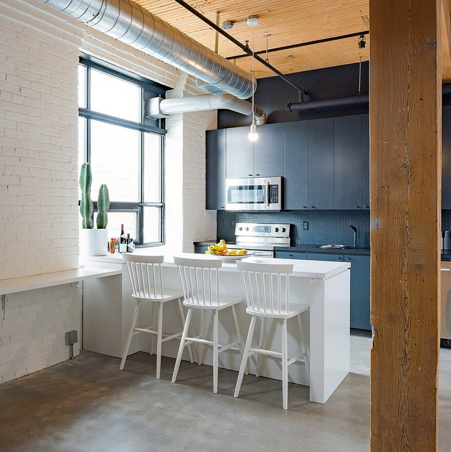 Loft Apartment: Studio Loft Broadview In Toronto / Studio AC