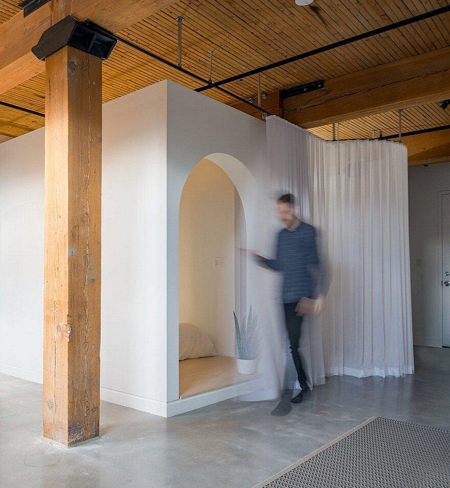 Studio Loft Broadview In Toronto / Studio AC