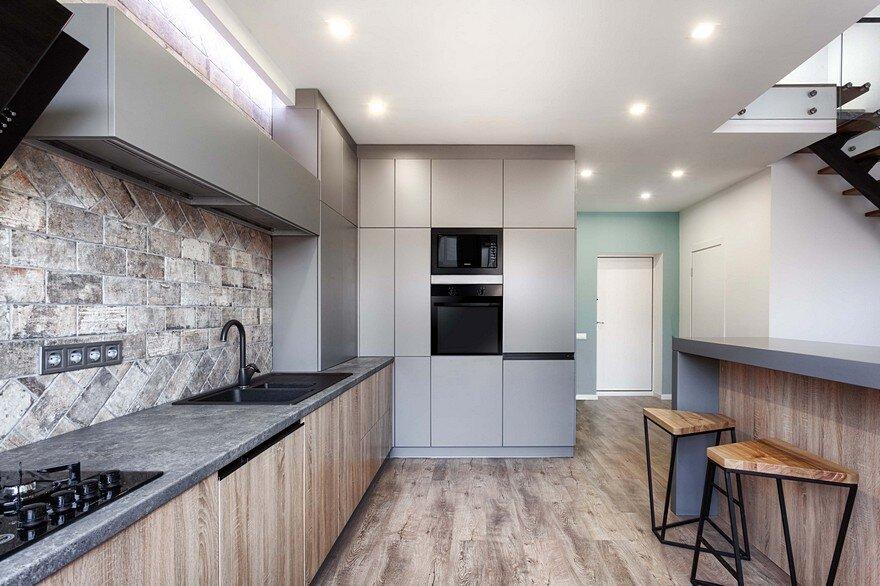 Two-Level Apartments near Kiev / Martin Architects