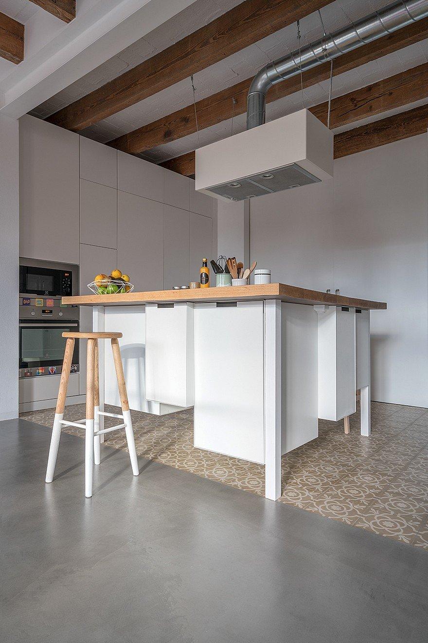 Rehabilitation Old Kitchen Cabinet