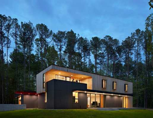 This Two-Story House Has a Central Living Room that Can Be Fully Opened