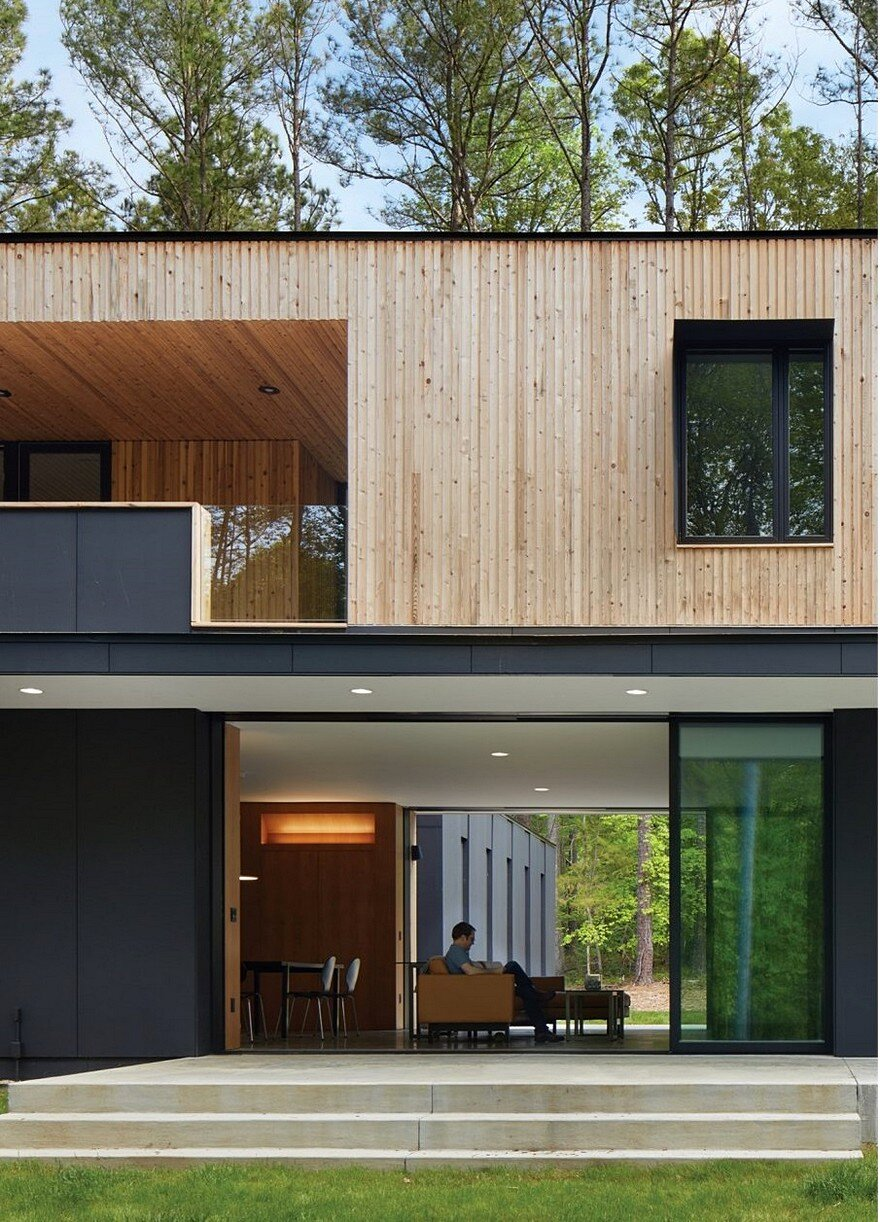 This Two-Story House Has a Central Living Room that Can Be ...