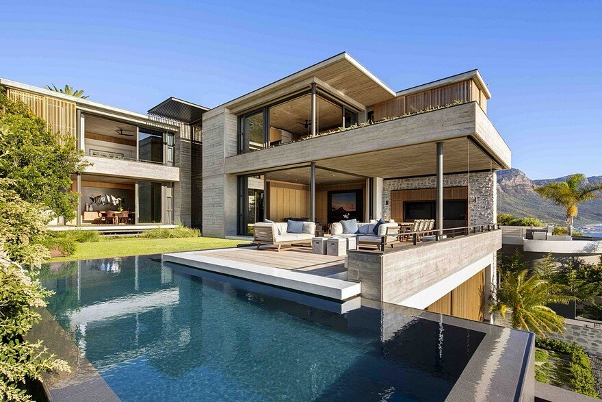 Clifton house in cape town with a panoramic view of the ocean Home building design