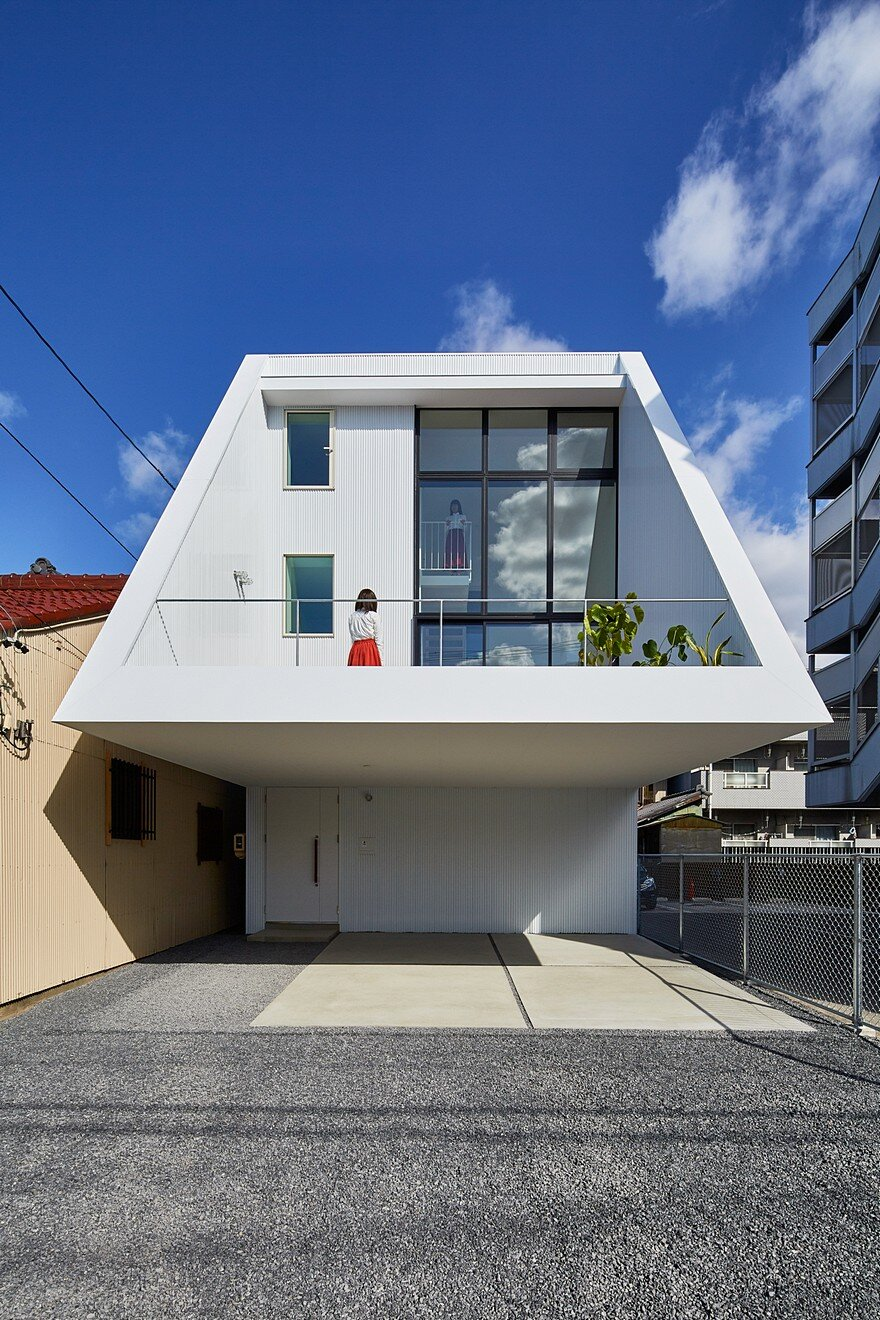 Keitaro muto architects design a new japan three story for Architects by design