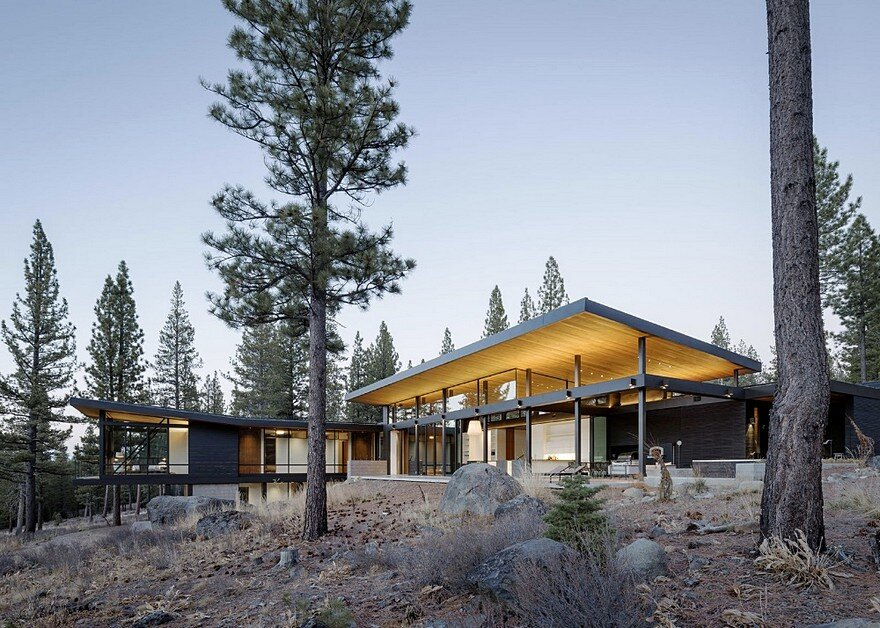 Martis Camp House Provides Privacy and Celebrates Panoramic Views of the Pacific Crest Mountain
