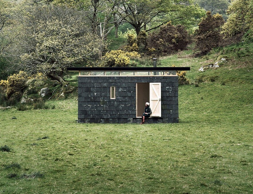 Slate Cabin is a Writer's Retreat Perched on the Edge of Snowdonia National Park