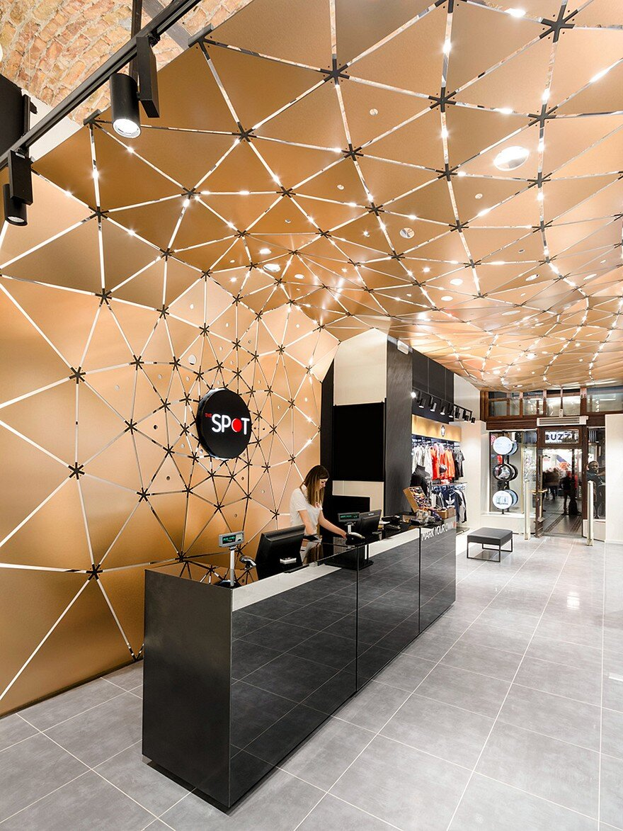 The spot dynamic modern and distinctive retail space for Retail space design